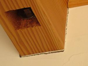 構造材と塗り壁の間の隙間